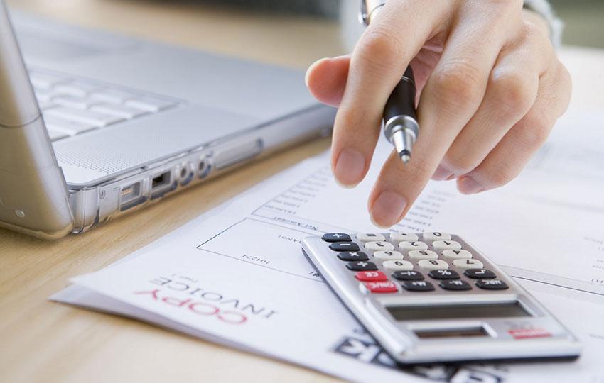 Πώς να προϋπολογίσετε τα έργα σας για να εξασφαλίσετε τη βιωσιμότητά τους
