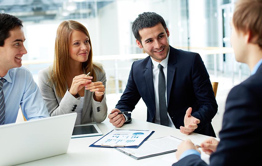 2 συμβουλές για να μάθετε να ακούτε ουσιαστικά τους υπαλλήλους σας