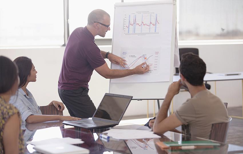 Συγκριτική μελέτη σχετικά με τις επιχειρηματικές δεξιότητες και τα κίνητρα των νέων ενηλίκων