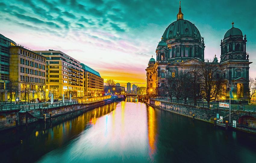 Στο Βερολίνο το 69% των επιχειρηματικών κεφαλαίων της Γερμανίας και η ευκαιρία της Αθήνας